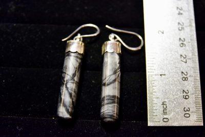 pic agate earrings size